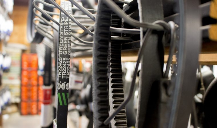 Comment acheter des pièces détachées pour votre voiture moins chère ?